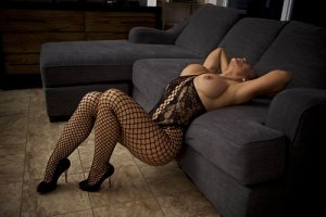 Connie escort girl in Merriam Kansas