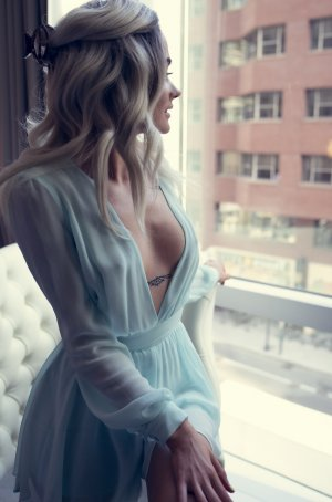 Soumaia incall escorts in Summit